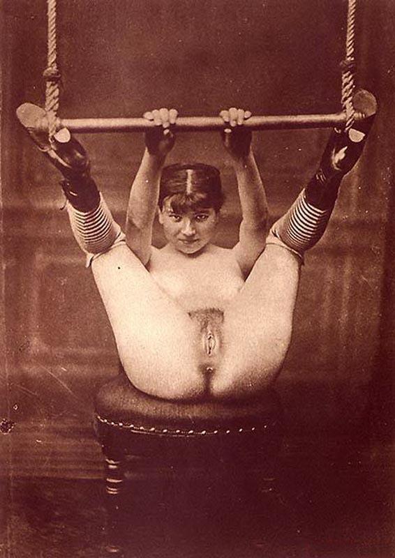 Порно лезбиянки прошлого века фото 215-441
