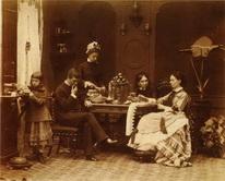 Семейный портрет с вазой.