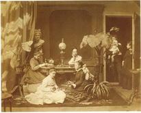 Семейный портрет в интерьере.