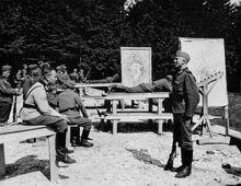 На стрельбище - 17-я  рота 137-го горнострелкового полка - район Зальцбурга